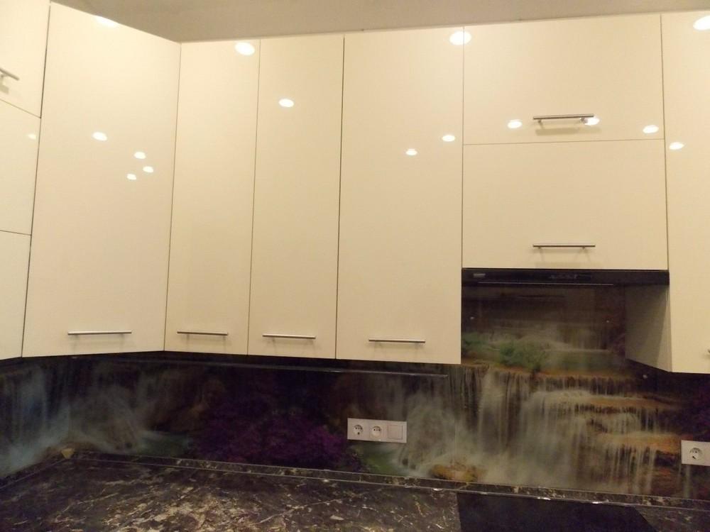 Акриловые кухни-Кухня из пластика «Модель 137»-фото3