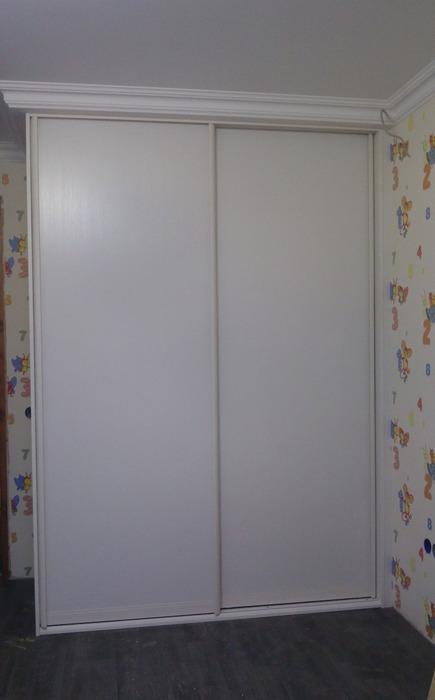 Белые шкафы-купе-Шкаф-купе из ЛДСП «Модель 222»-фото1