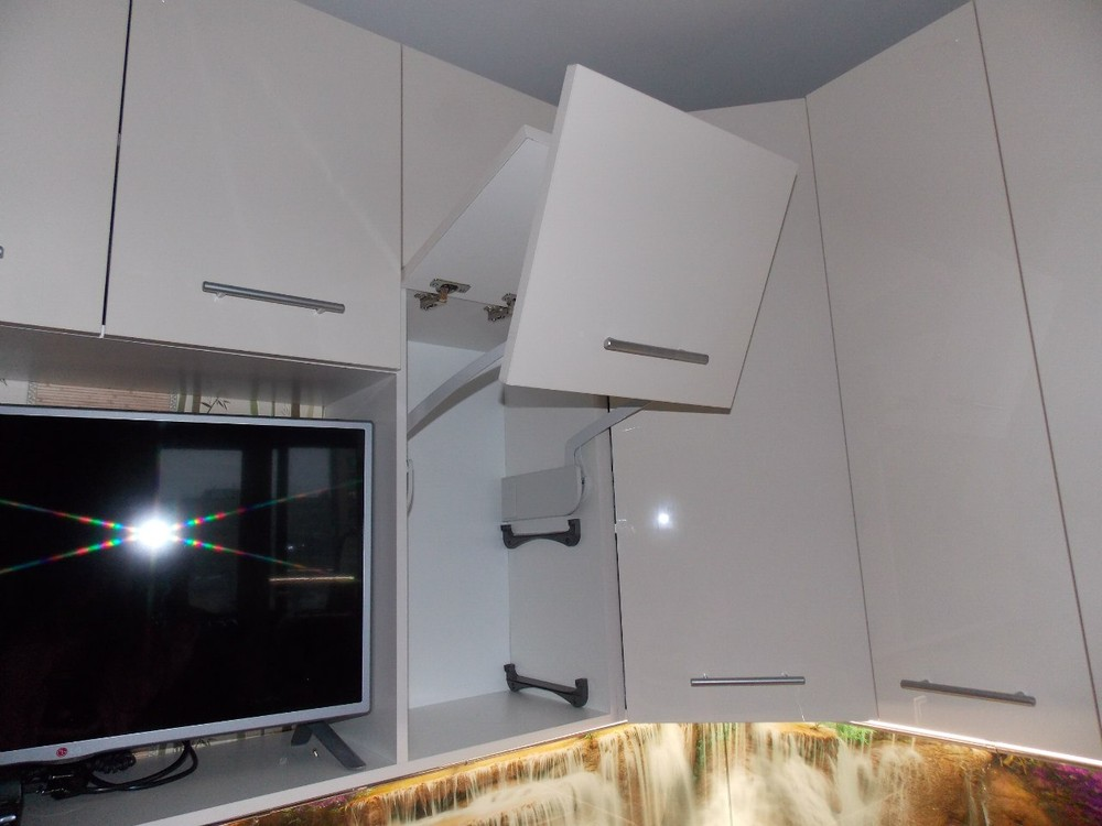 Акриловые кухни-Кухня из пластика «Модель 137»-фото9