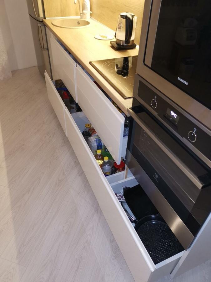 Белый кухонный гарнитур-Кухня МДФ в эмали «Модель 144»-фото3
