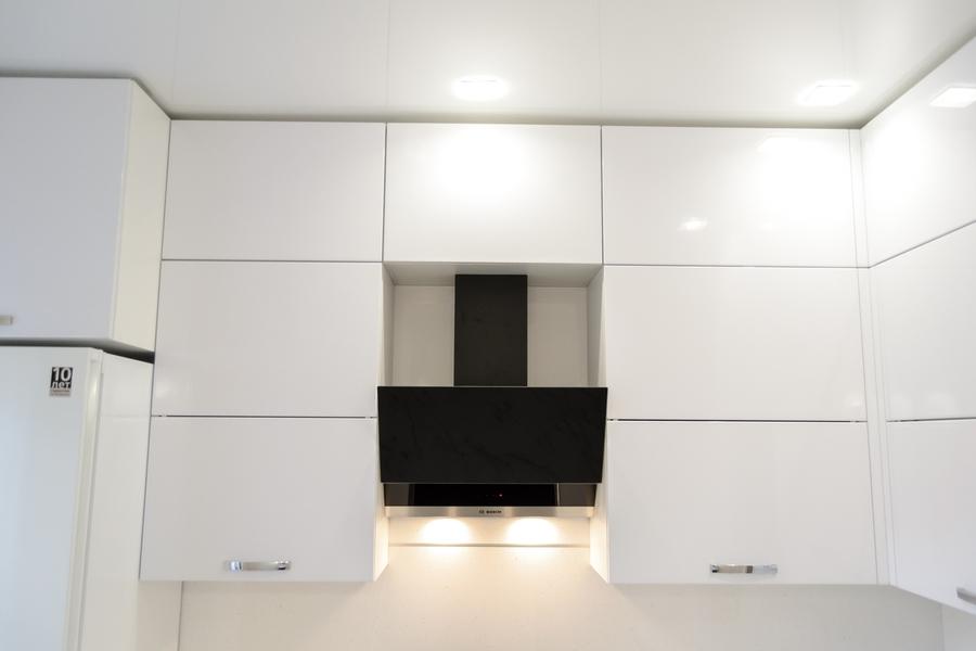 Белый кухонный гарнитур-Кухня из пластика «Модель 142»-фото4