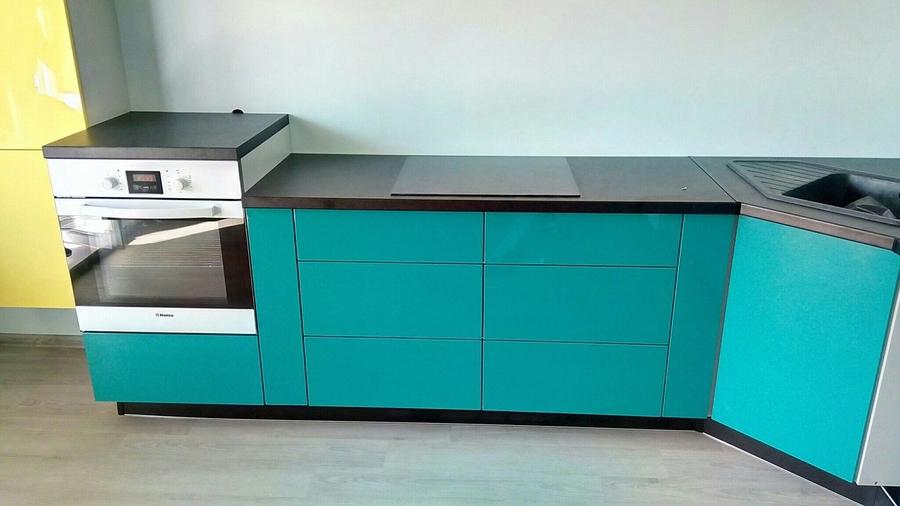 Глянцевые кухни-Кухня из пластика «Модель 370»-фото2