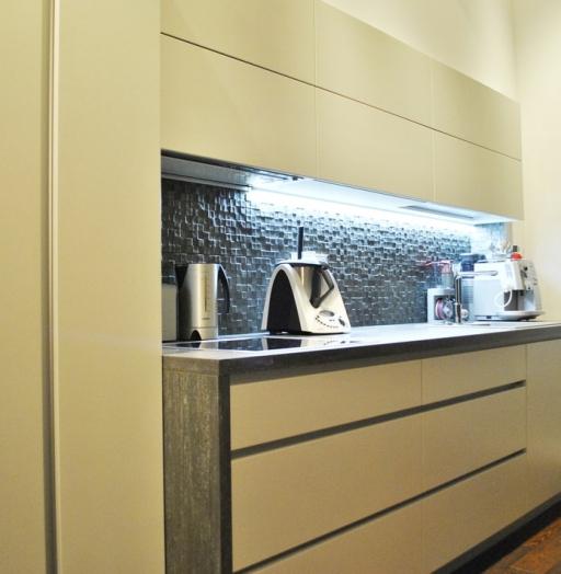 Акриловые кухни-Кухня из пластика «Модель 75»-фото2