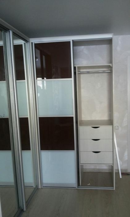 Встроенные шкафы-купе-Шкаф-купе с зеркалом «Модель 62»-фото8